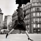 homage-to-munkacsi-carmen-coat-by-cardin-august-1957-paris